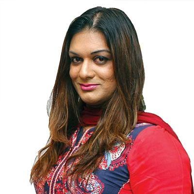 """""""ஜெயலலிதாவுக்கே அம்மா சசிகலா!"""" - அப்ஸரா அதிரடி"""