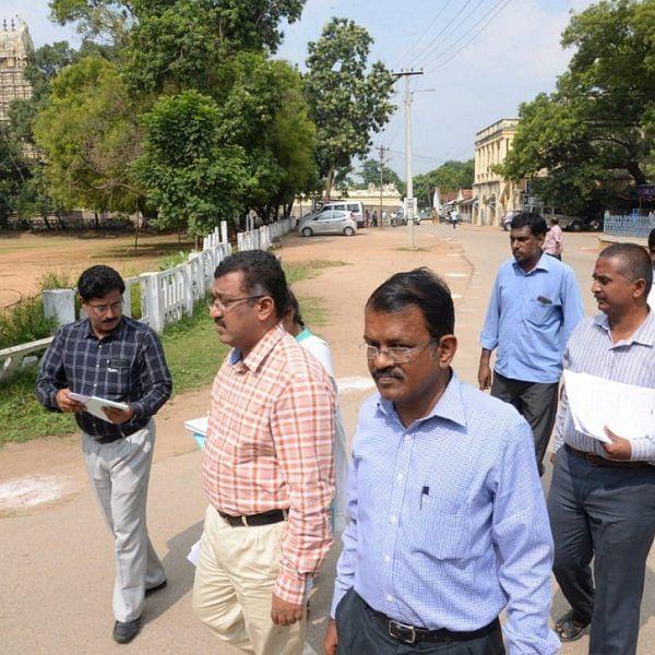 'ஸ்மார்ட் சிட்டி திட்டத்தின் கீழ் அழகாகும் வேலூர் கோட்டை!' - அதிகாரிகள் ஆய்வு