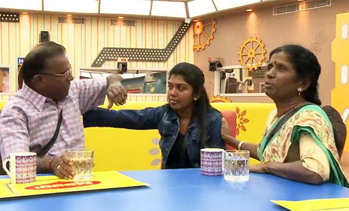 பிக்பாஸுக்கு பல்போ பல்பு... பழக்கத்த மாத்திக்கலாமே பாலாஜி... #BiggBossTamil2