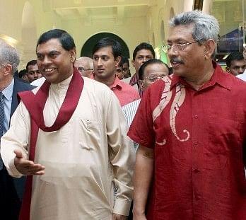 பசில்  ராஜபக்சே, கோத்தபய மீது முன்னாள் அமைச்சர் ஊழல் புகார்!