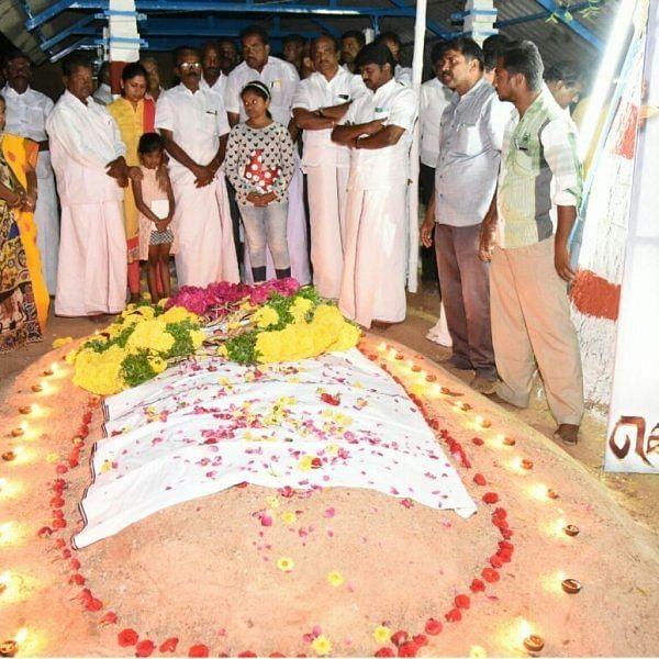 கொம்பன் காளை நினைவிடத்தில் அஞ்சலிசெலுத்திய விஜயபாஸ்கர்..!