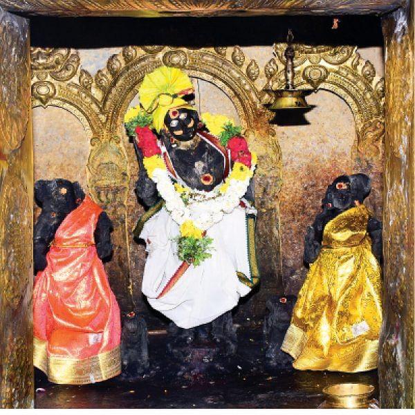 தெய்வ மனுஷிகள்: பொம்மி - திம்மி