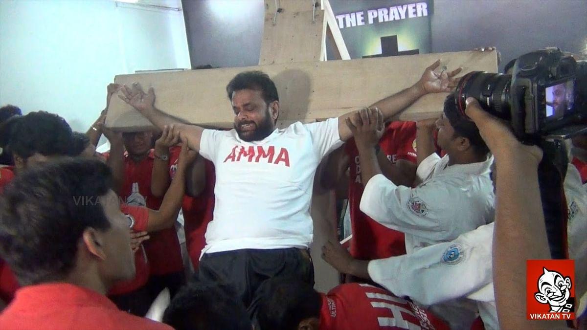 Jayalalithaa to be CM again - Karate Hussaini Crucifies Himself .