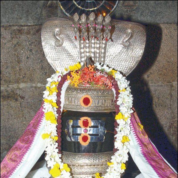 குறை தீர்க்கும் கோயில்கள் - 4 - வெம்மை நோய்களைத் தீர்க்கும் அன்னியூர் அக்னிபுரீஸ்வரர்!