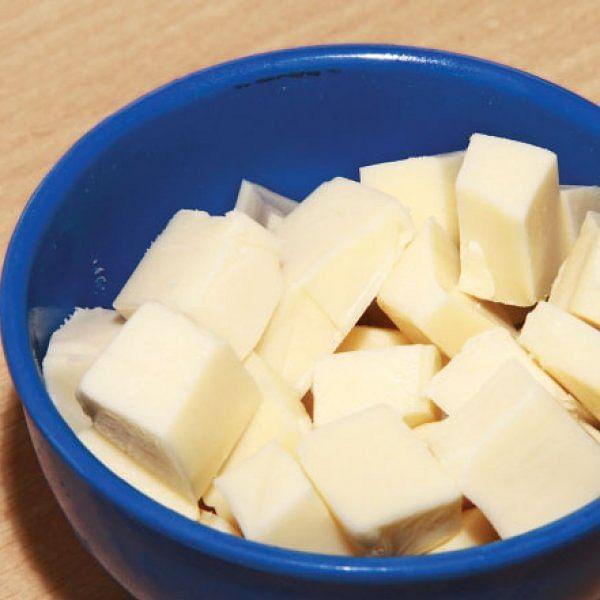 உணவுக்குச் சுவைகூட்டும் சீஸ்... யாரெல்லாம் சாப்பிடலாம், தவிர்க்கலாம்? #Cheese