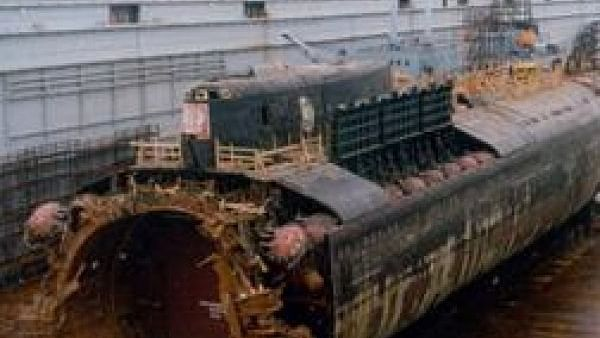 குர்ஸ்க் நீர்மூழ்கி கப்பலின் கண்ணீர்க்கதை #Kursk