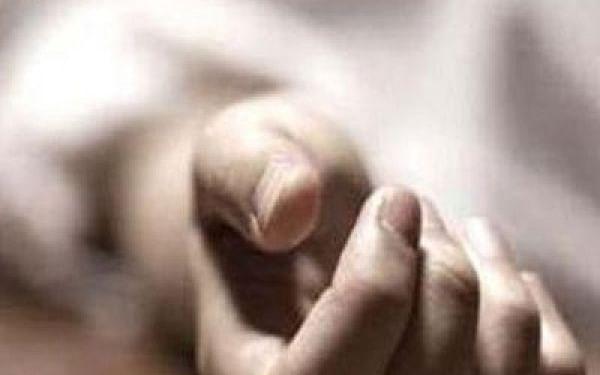 கரூர்: போதையில் மனைவியைக் கொன்ற இளைஞர்! - போலீஸுக்கு பயந்து தற்கொலை!