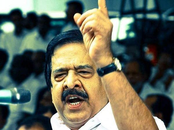 `இது ஒன்றும் சீனா இல்லை பினராயி விஜயன்!' - கொரோனா விவகாரத்தில் கொதித்த ரமேஷ் சென்னிதலா