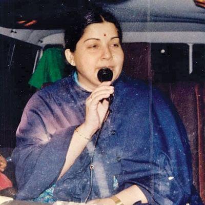 """மன்னார்குடி ரீவைண்ட் ஜாதகம் - 15 - """"ஜெயலலிதாவுக்கு ஒரு பெண்ணால் ஆபத்து!"""""""