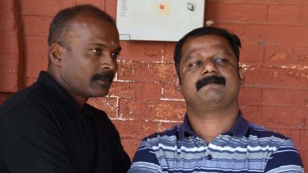 சயான், வாளையார் மனோஜ்