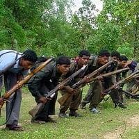 சத்தீஸ்கரில் மாவோயிஸ்டுகள் தாக்குதல்: 12 பேர் பலி!