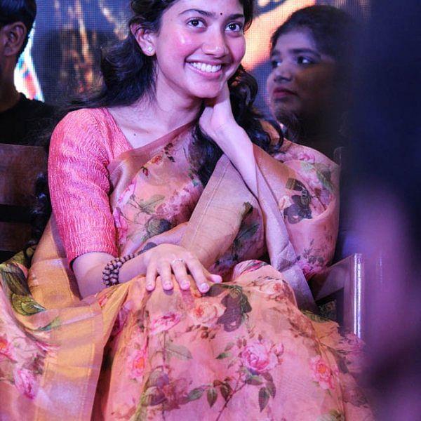 'மாரி 2' படவிழாவில் சாய் பல்லவி க்யூட் ரியாக்ஷன்ஸ்... படங்கள்: வள்ளிசௌத்திரி ஆ