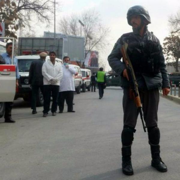 காபூலில் ஐஎஸ் துப்பாக்கிச் சூடு: 30 பேர் பலி!