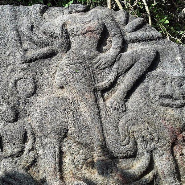 இடிந்த நிலையில் சிவாலயம்... விக்கிரமசோழன் காலக் கல்வெட்டு கண்டுபிடிப்பு!
