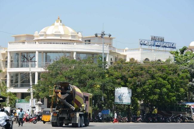 துரைமுருகனைச் சுற்றியிருக்கும் 'பிளாக் ஷீப்'கள்...!வேலூரில் என்ன நடக்கிறது?