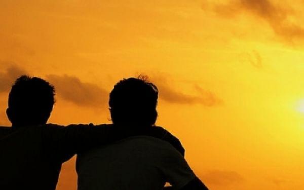 சென்னை: குழந்தையுடன் வீட்டைவிட்டுச் சென்ற மனைவி! - நண்பனை உருட்டுக்கட்டையால் தாக்கிய ஆட்டோ டிரைவர்