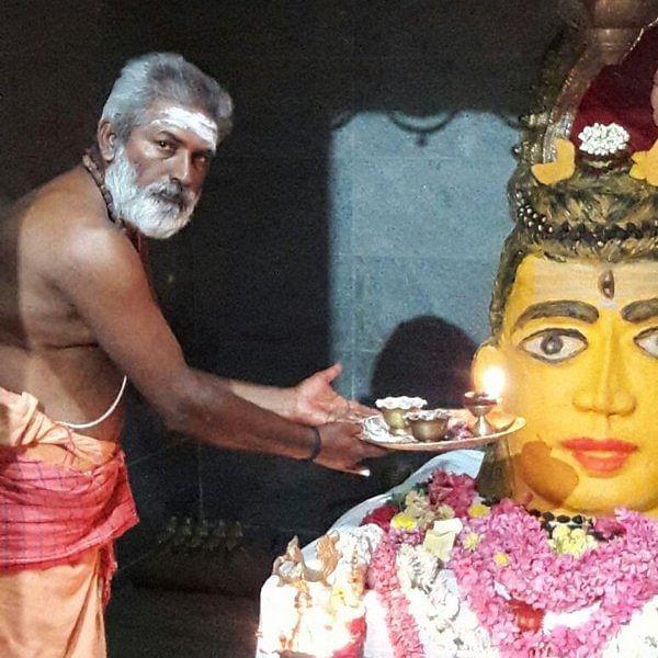 திருவள்ளூர் காரணீஸ்வரர் கோயிலில் சந்தன காப்பு!