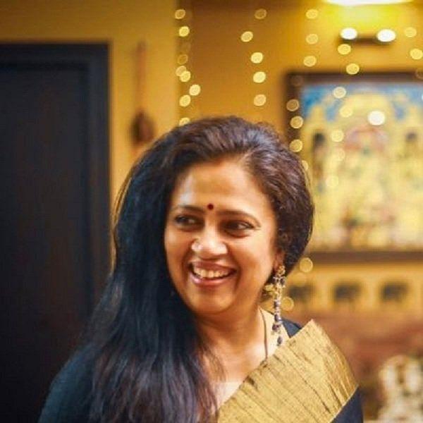``ராதாரவிக்குத் தடை போடுவது சரி, அங்கே கைதட்டி சிரிச்சவங்களுக்கு..?!''- லட்சுமி ராமகிருஷ்ணன்