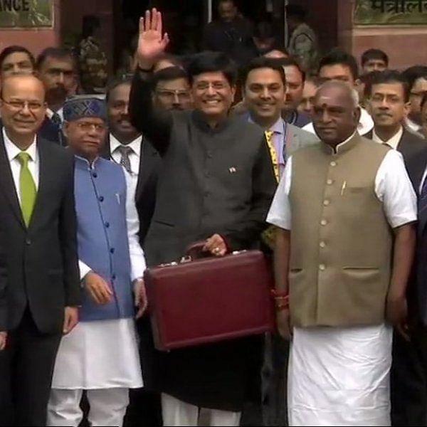 """BREAKING NEWS: ``தனிநபர் வருமான வரி உச்சவரம்பு  ரூ. 5 லட்சமாக அதிகரிப்பு"""" # Budget2019 #LiveUpdates"""