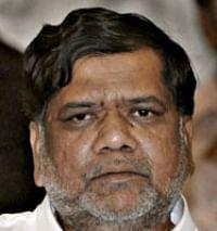 கர்நாடகா: பெரும்பான்மையை நிரூபிக்க ஆளுநர் உத்தரவிட முடிவு?
