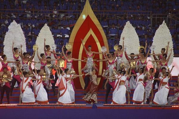 ஐ.எஸ்.எல். சென்னையில் தொடக்கம்: முதல் போட்டியில் கொல்கத்தா வெற்றி! (படங்கள்)