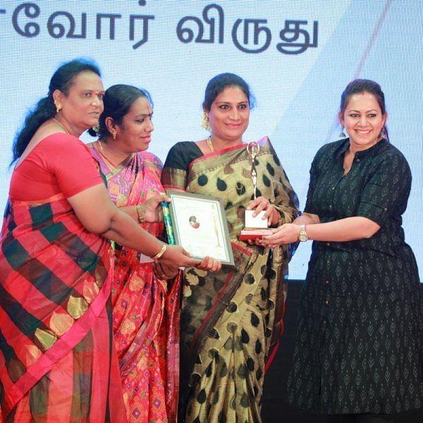 `சாதிக்க பிறந்தவர்கள்' அமைப்பு நடத்திய திருநங்கைகள் விருது விழா!