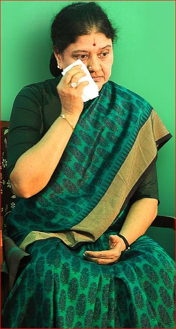 மோடி டு எடப்பாடி 'ஆப்பரசியல்' - நிமிட வாசிப்பில் ஜூனியர் விகடனின் 10 மேட்டர்கள்!