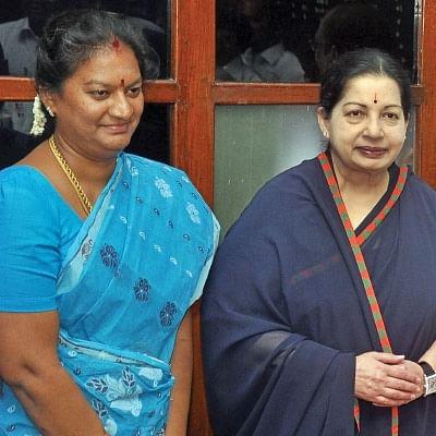 இரண்டு எம்.பி-க்கள்... இரண்டு கட்சிகள்... இரண்டு தலைவர்கள்!