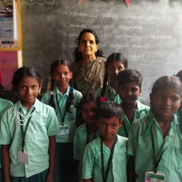 பெற்றோர் ஆசிரியர் சங்க ஆசிரியையாக 30 வருடங்கள்... கூரை வீட்டில் வசிக்கும் அலிமா டீச்சர்!
