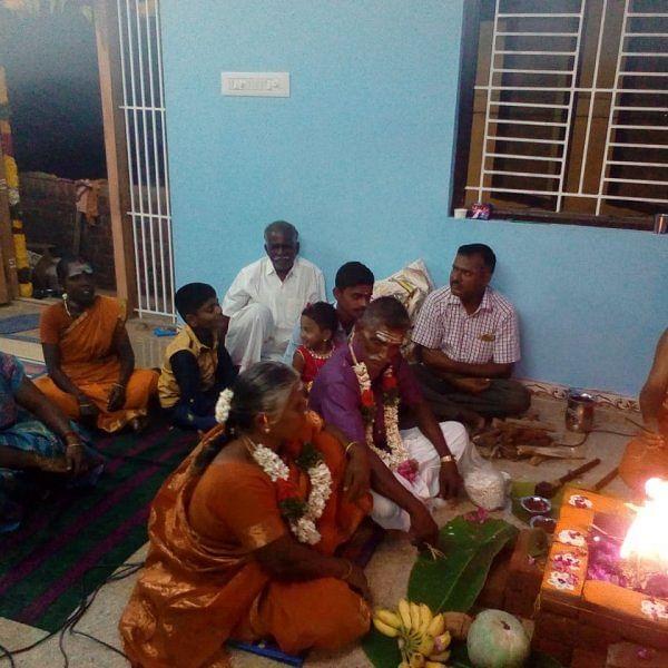 வீடு கிரகபிரவேஷத்தை வித்தியாசமாக செய்து அசத்திய கரூர் தம்பதி!