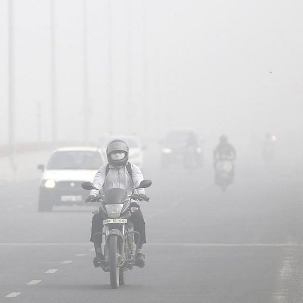பட்டாசுக்குத் தடை... ஆனாலும் டெல்லி காற்று மாசுக்குக் காரணம் என்ன? #DelhiSmog