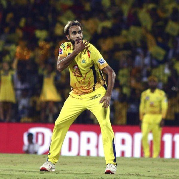 நீங்க ரன் அடிங்க... ஏன் நீங்க அடிக்கிறது? - இப்படியாக வெற்றி பெற்ற சென்னை! #CSKvKKR