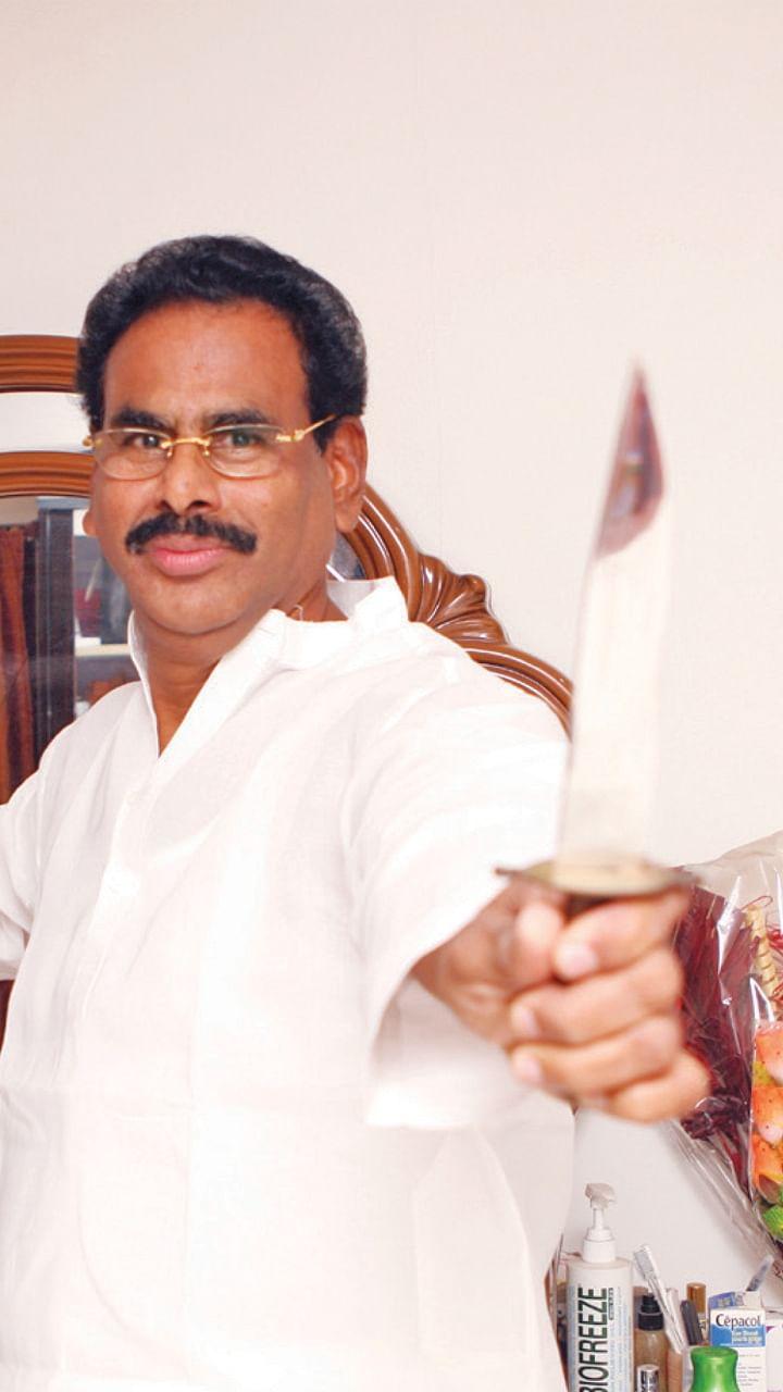 சசிகலா ஜாதகம் - 69 - வேட்பாளர் செலக்ஷன்... கலெக்ஷன்!