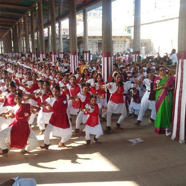 7,195 கலைஞர்கள் - சிதம்பரத்தில் கின்னஸ் சாதனைப் பரத நாட்டிய நிகழ்ச்சி!