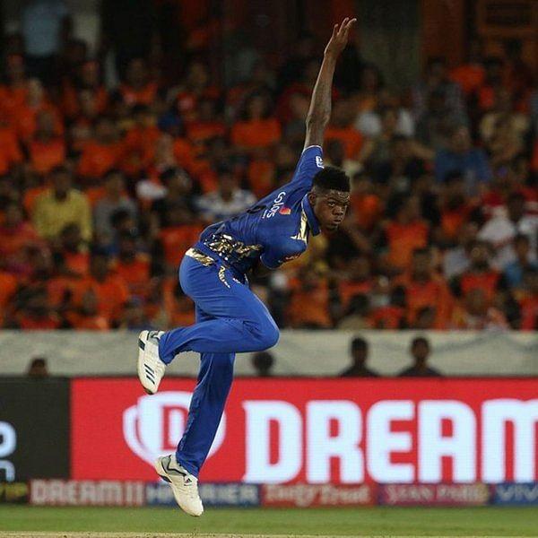 இது IPL இல்லை, WIPL! - மும்பை vs ஹைதராபாத் மேட்ச் ரிப்போர்ட்