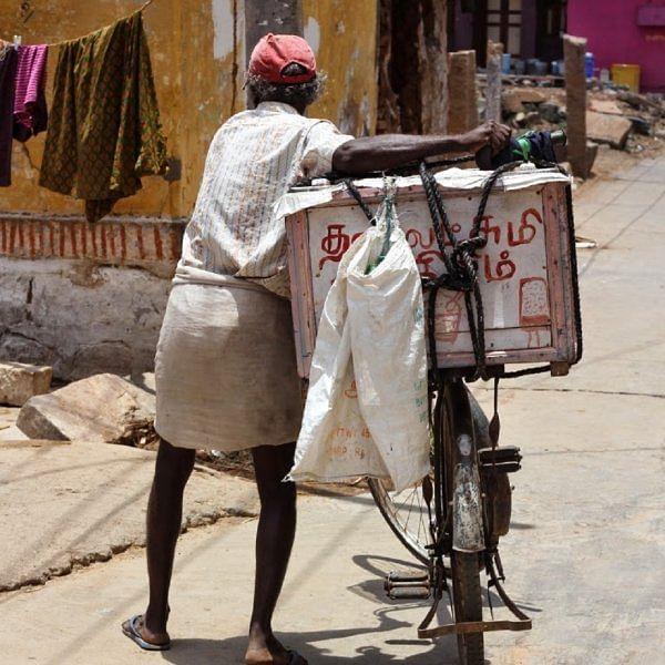 `கண்ணை மூடி, நாக்கை நீட்டி, ஆஹான்னு சொன்னா..!' - 90'ஸ் கிட்ஸும் நல்லா இருந்த ஊரும்
