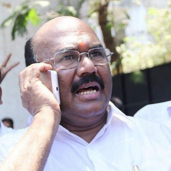 அமைச்சர் ஜெயக்குமார் எப்படிப்பட்டவர்? - திருமணம் முதல் சிந்து வரை பகிரும்  சகோதரர் | Minister jayakumar's own brother shares about the audio  controversy