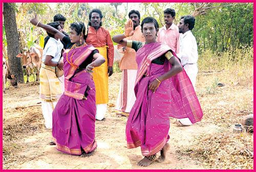 எல்லாரும் சந்தோஷமா இருங்கப்பா!
