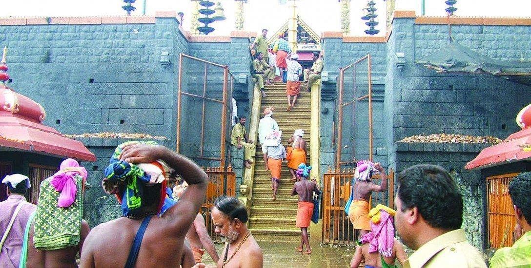 `சபரிமலை கோயிலுக்குச் சென்று வழிபட பெண்களுக்குத் தடை இல்லை!' - உச்ச நீதிமன்றம் தீர்ப்பு #Sabarimala