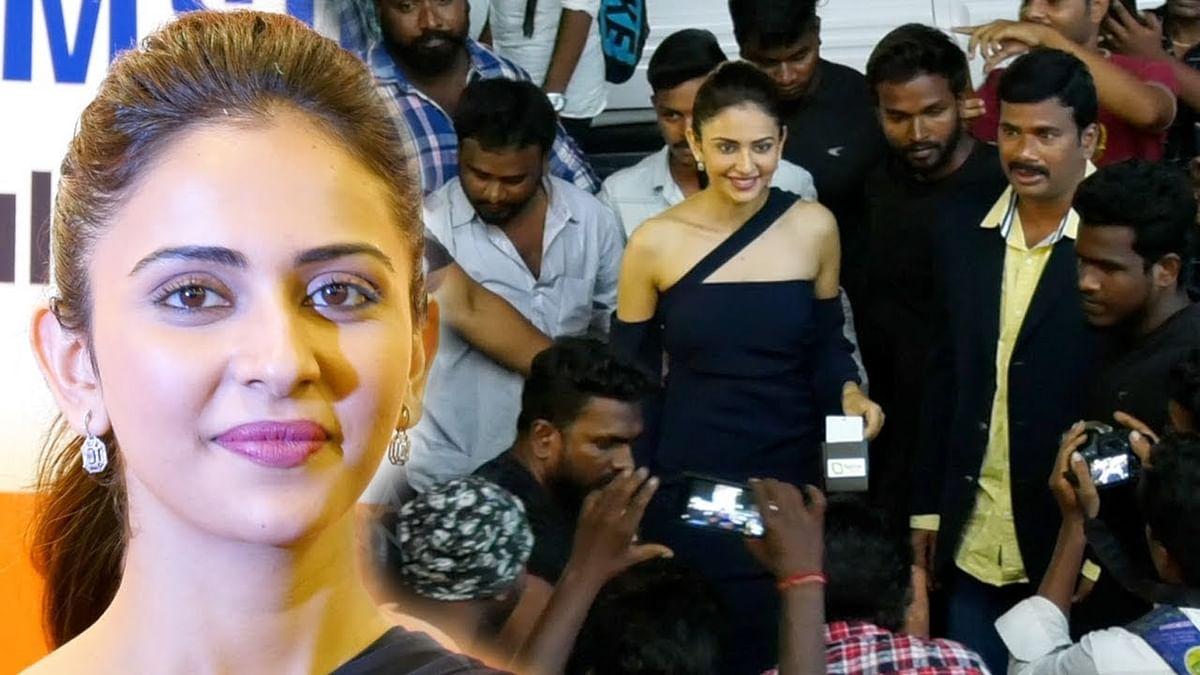 RAVISHING Rakul Preet Singh Walk & Selfie Moment with Chennai Fans