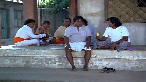 சினிமாவுக்கும் வாழைப் பழத்துக்கும் நெருங்குன சம்பந்தம் இருக்கு மக்களே!