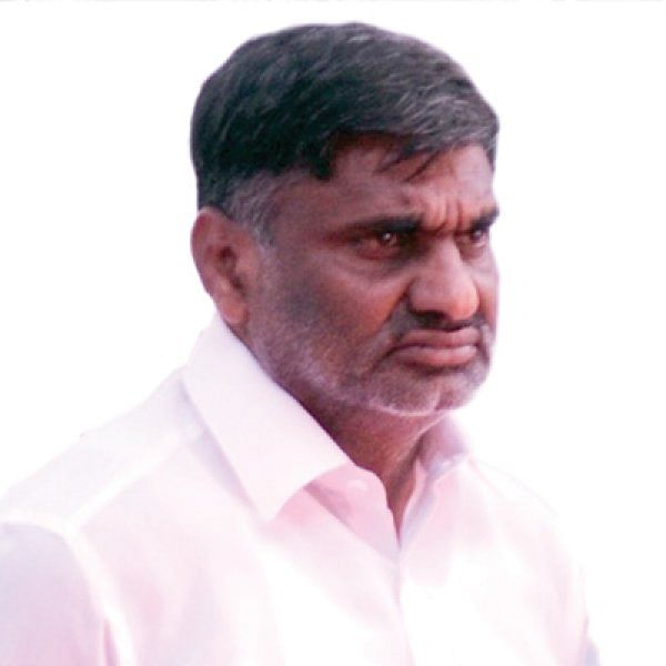 வேலூரில் ரூ.300 கோடி நிலம் அபகரிப்பு... அமைச்சர் வீரமணியுடன் தி.மு.க எம்.எல்.ஏ-க்கள் கூட்டு?