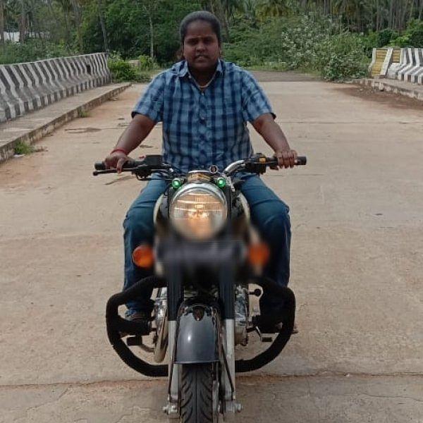 ``என்னோட சர்வீஸ்ல விபத்தே ஏற்பட்டதில்லை'' - வேன் ஓட்டும் பிரியா அக்கா