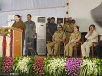 நாட்டை ஆள்பவரை பொறுத்தே காவல்துறையின் செயல்பாடுகள் அமையும்: ஜெயலலிதா