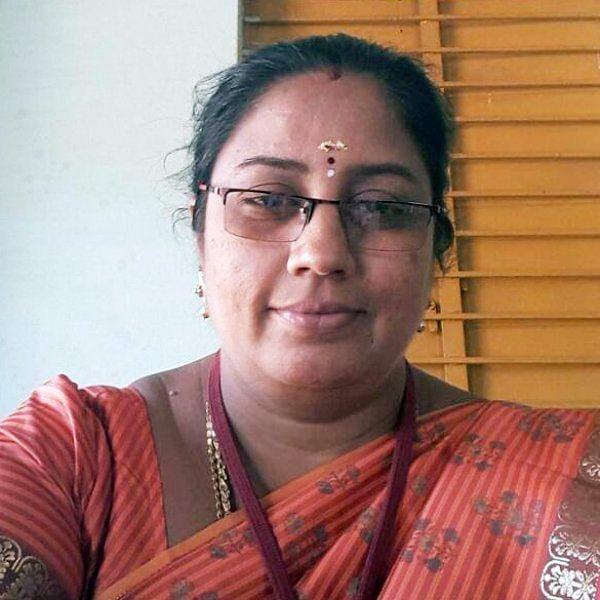 நிர்மலா தேவிக்கு எதிராகக் கல்லூரி வாசலில் கொந்தளித்த பொதுமக்கள்!