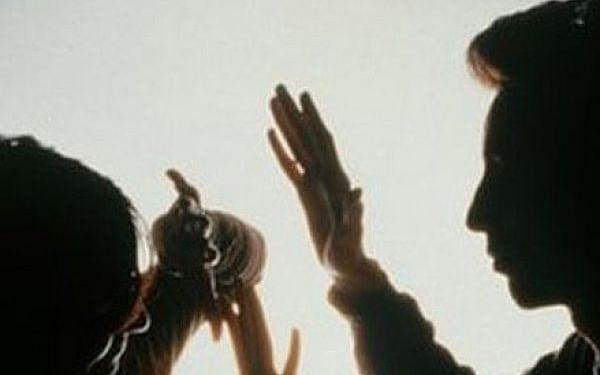 """``தினமும் 30 போன்கால்ஸ்; 6 பேர் கைது; லாக் டவுனால் அதிகரித்த குடும்ப வன்முறைகள்""""- ஏடிஜிபி ரவி தகவல்"""