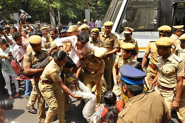 சென்னை ஐ.ஐ.டி.யில் மாணவ அமைப்பினர்- போலீஸ் மோதலால் பரபரப்பு!