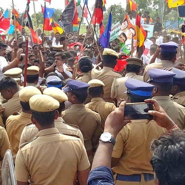 கடலூர் அருகே மணல் குவாரிக்கு எதிர்ப்பு தெரிவித்து முற்றுகை - 340 பேர் கைது!
