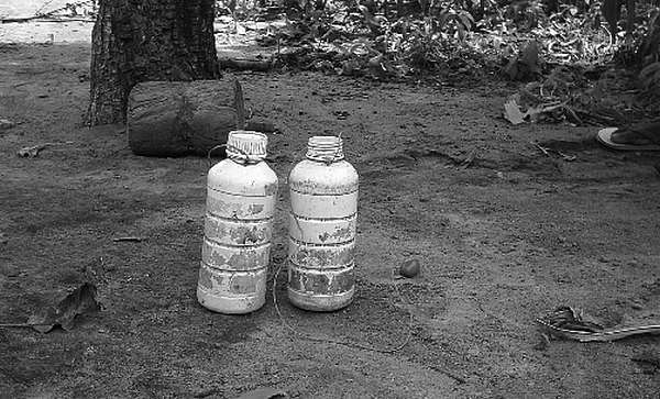 பசிக் கொடுமை... பூச்சி மருந்தைக் குடித்த சிறுமி... பொருளாதார பெருமை பேசும் அரசு!