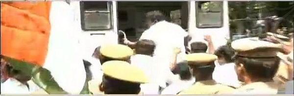 ஐஐடி மாணவர் அமைப்பு தடைக்கு ஆதரவாக இந்து மக்கள் கட்சி ஆர்ப்பாட்டம்!